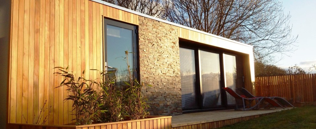 Sips garden rooms granny annex garden studio or classroom for Prefabricated garden rooms